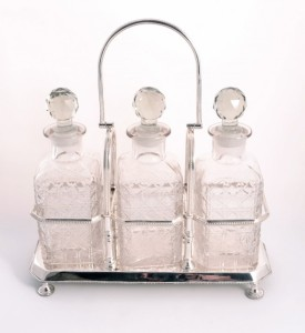 05230-Silver-Plated-Tantalus-&-Three-Cut-Glass-Decanters-Set-2