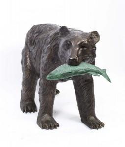 06792-large-wild-bear-catching-fish-bronze-sculpture-1