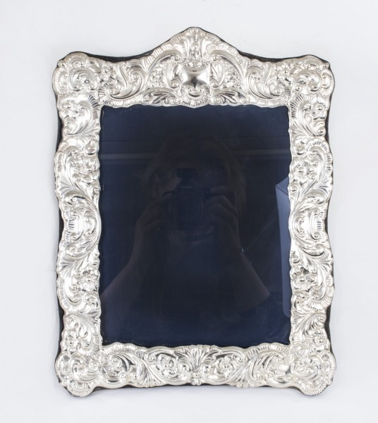 07726-huge-vintage-mappin-and-webb-sterling-silver-photo-frame-1