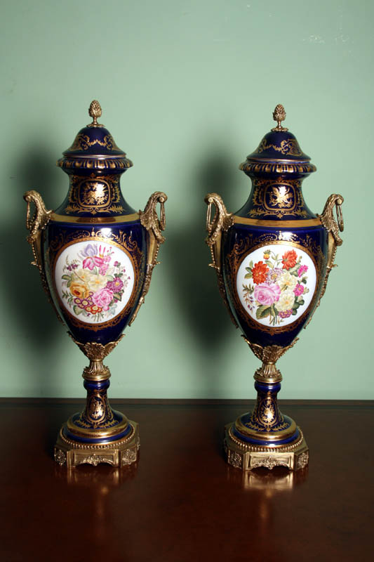 Regent Antiques Porcelain And China Stunning Pair