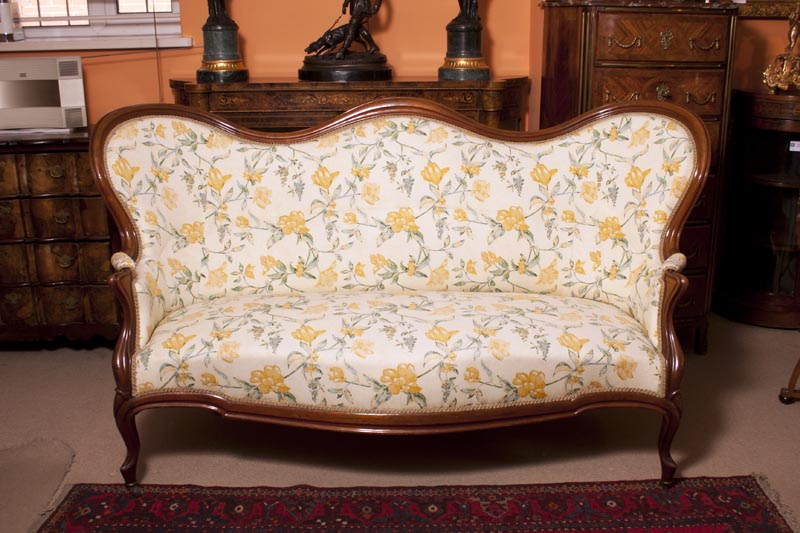 Antique victorian walnut sofa chaise for Antique chaise sofa bed