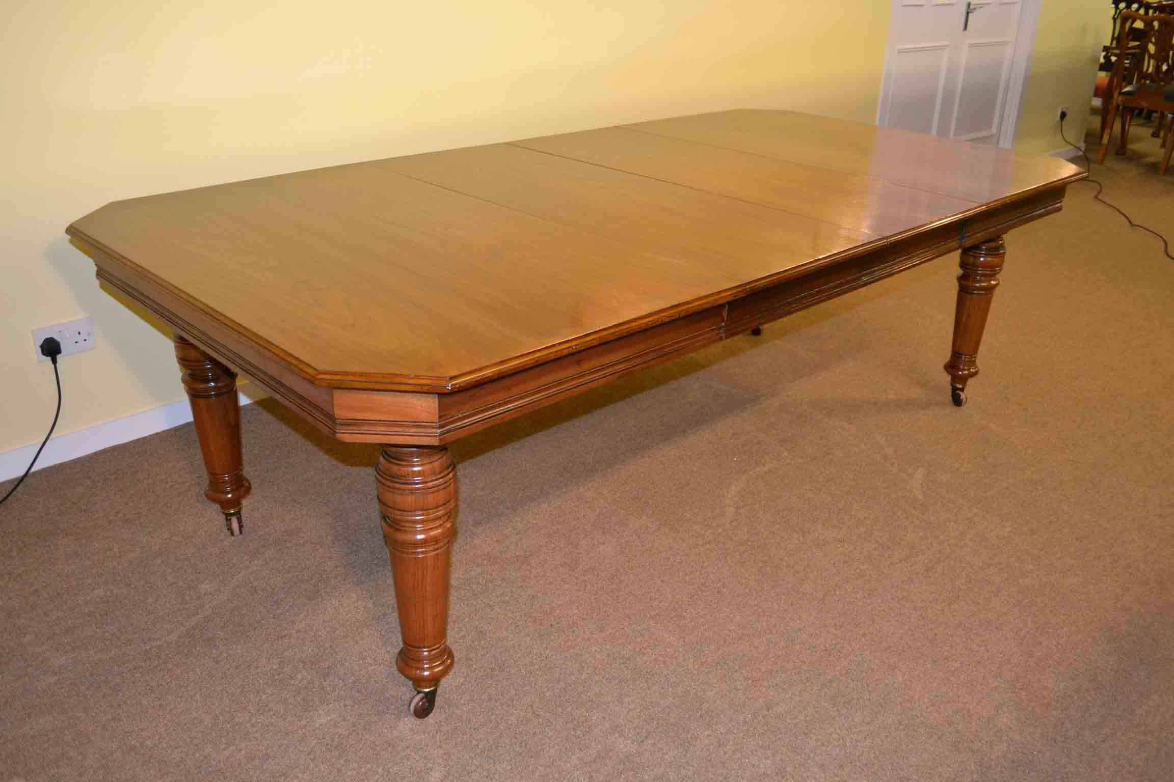 Antique Victorian Dining Table c1880 8 ft Walnut : 03241 Antique Victorian Dining Table c1880 8 ft Walnut 1 from www.regentantiques.com size 2304 x 1536 jpeg 106kB