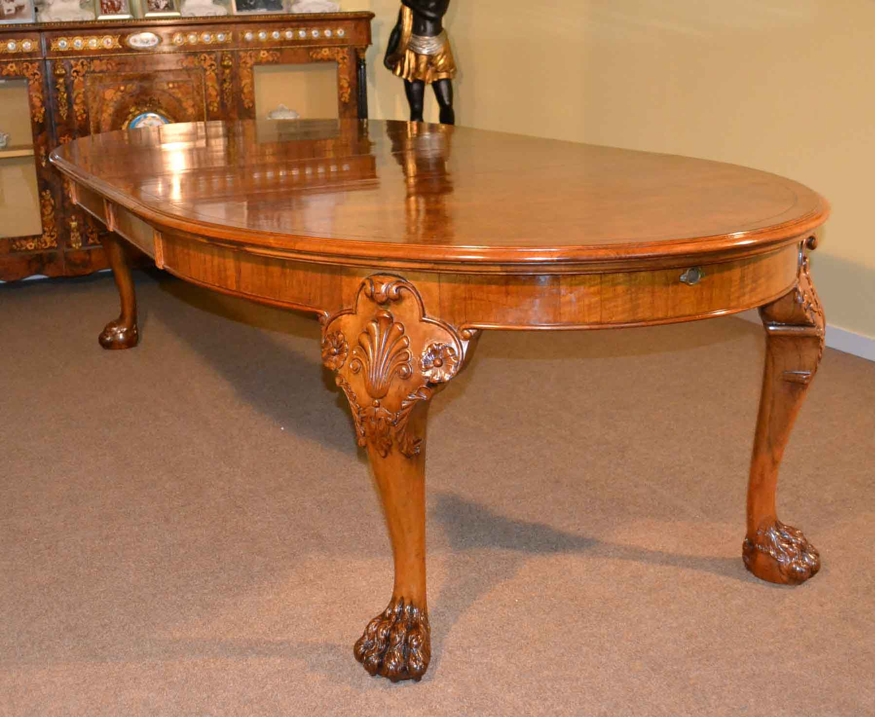 Antique bur walnut queen anne style dining table c1920 for Stile queen anne