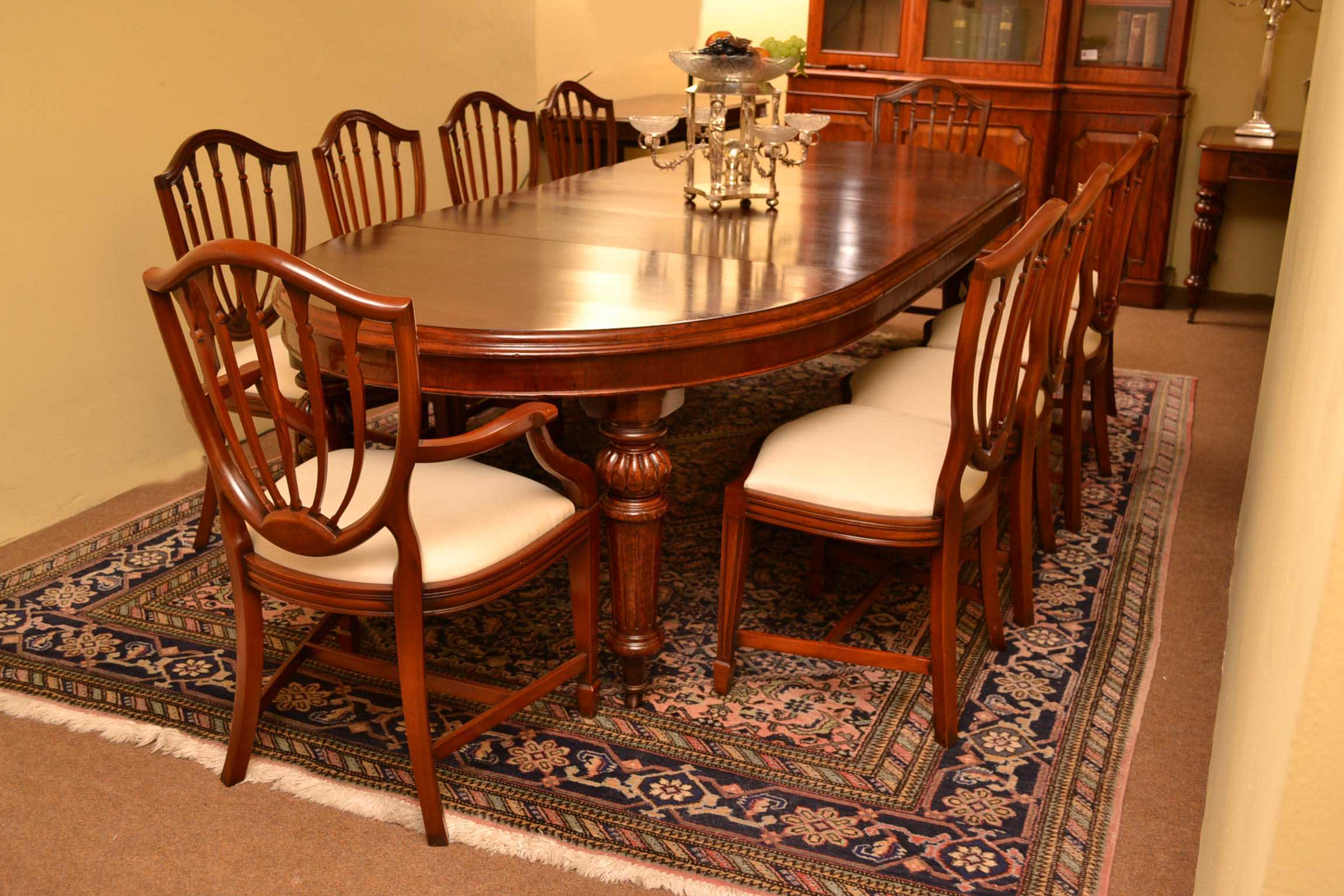 Antique victorian dining table 10 chairs hepplewhite for Antique dining room tables