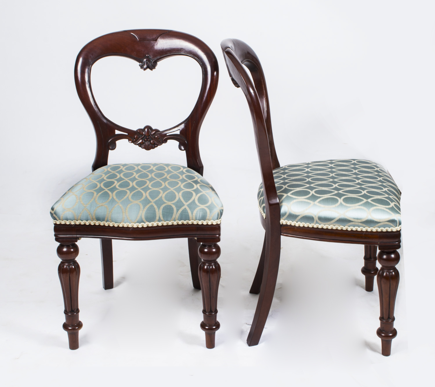 Vintage Looking Chairs: Dining Tables And Chairs