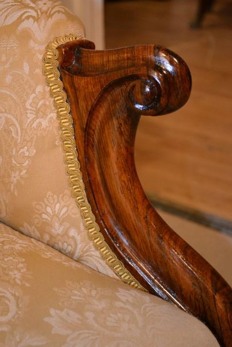 Regent antiques antique victorian walnut chaise longue for Antique victorian chaise longue