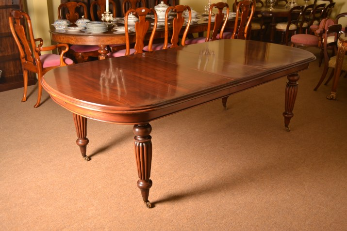 Beautiful Vintage Victorian Style Solid Mahogany Dining Table, Dining Tables