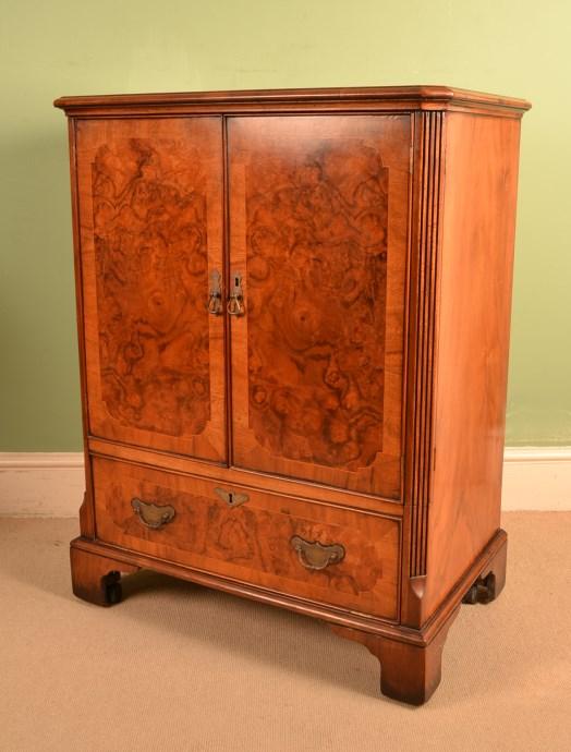 Regent Antiques Cabinets Vintage Burr Walnut TV Plasma  : 05547 Vintage Burr Walnut TV Plasma Hi Fi Stereo Cabinet 1 from regentantiques.com size 524 x 690 jpeg 75kB