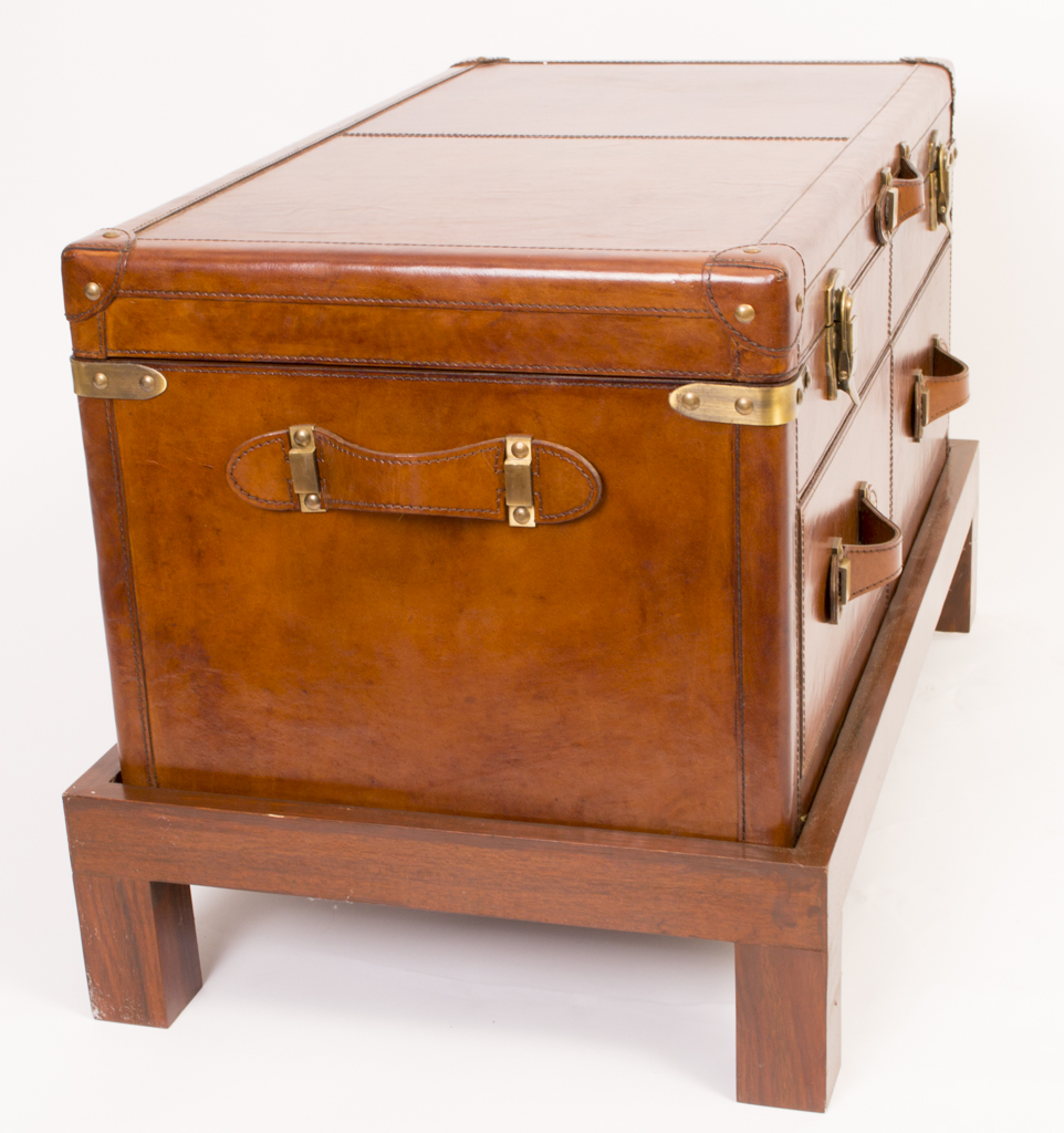 Regent Antiques Leatherware Steamer Trunks English Leather Campaign Trunk Coffee Table Luggage