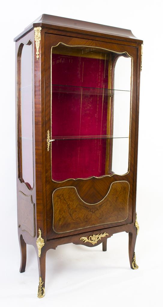 vintage french kingwood display cabinet vitrine ref. Black Bedroom Furniture Sets. Home Design Ideas