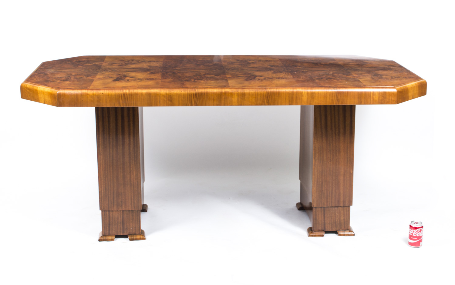 regent antiques dining tables and chairs tables antique art deco dining table burr walnut. Black Bedroom Furniture Sets. Home Design Ideas
