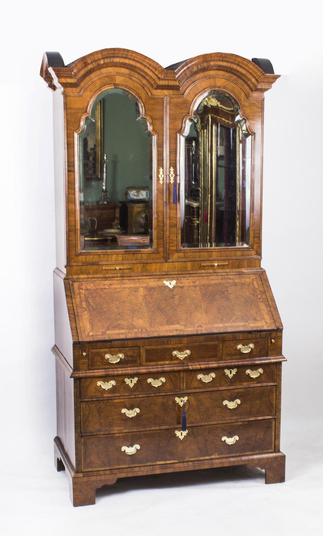 antique queen anne double dome burr walnut bureau bookcase c1720. Black Bedroom Furniture Sets. Home Design Ideas