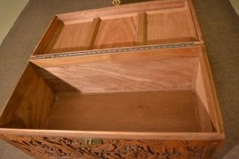 00376-Vintage-Chinese-Camphorwood-Trunk-Coffer-C1950-10