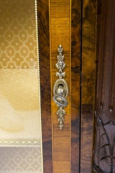 01411-Pair-of-Burr-Walnut-Display-Cabinets-Victorian-Style-18