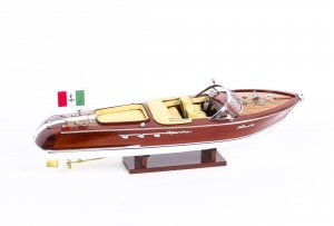 Vintage model of a Riva Aquarama Limited Edition. speedboat 20th Century