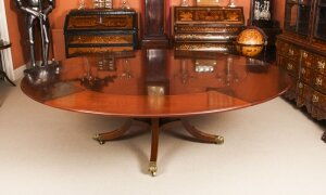 Vintage 7ft 6& 34 Diam Jupe Mahogany Dining Table by William Tillman 20th C