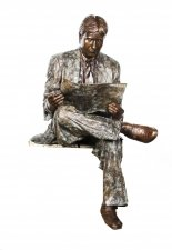 Stunning Life Size Bronze Statue of Gentleman Reading the Newspaper Late 20th C