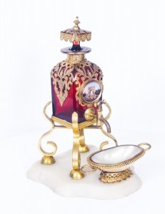 Antique French Ruby Glass Ormolu Mounted Scent Bottle | Antique French Scent Bottle | Ref. no. 08573