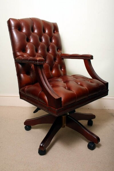 Bespoke English Hand Made Gainsborough Leather Desk Chair Chestnut | Ref. no. 02333B | Regent Antiques