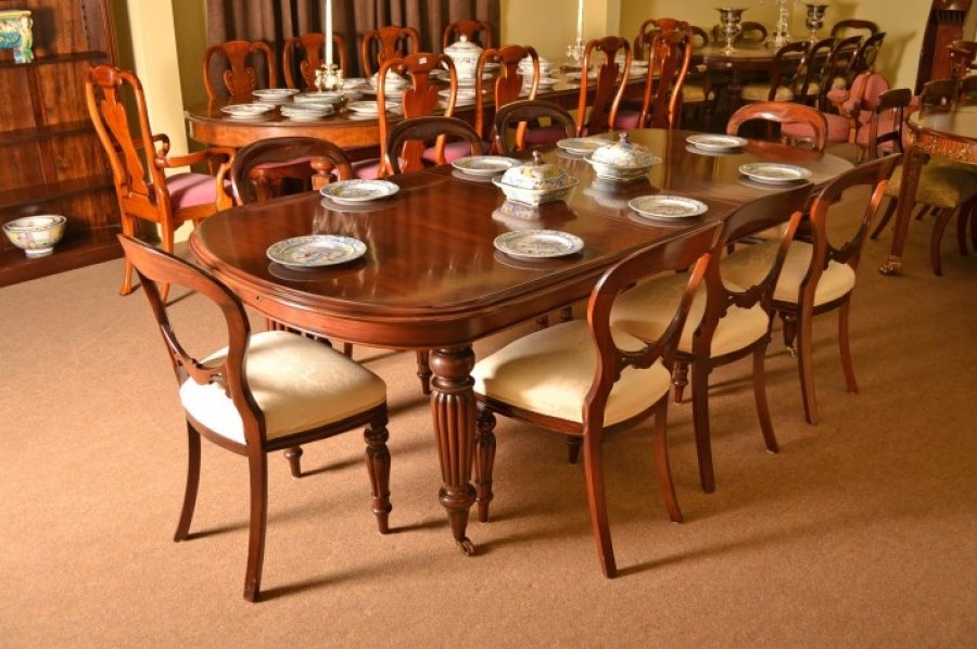 Vintage Victorian Style Mahogany Dining Table 8 chairs : 05268a Vintage Victorian Style Mahogany Dining Table 8 chairs 1 from www.regentantiques.com size 900 x 598 jpeg 387kB