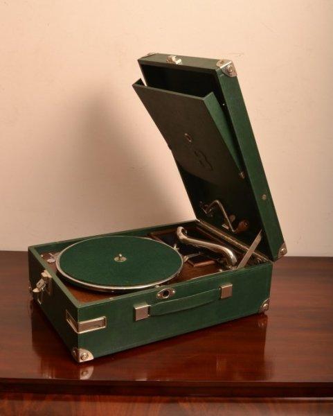 Vintage Portable Hmv Ref No 05461 Regent Antiques