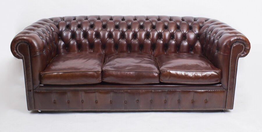Bespoke English Leather Chesterfield Sofa Bed BBA | Ref. no. 08457 | Regent Antiques