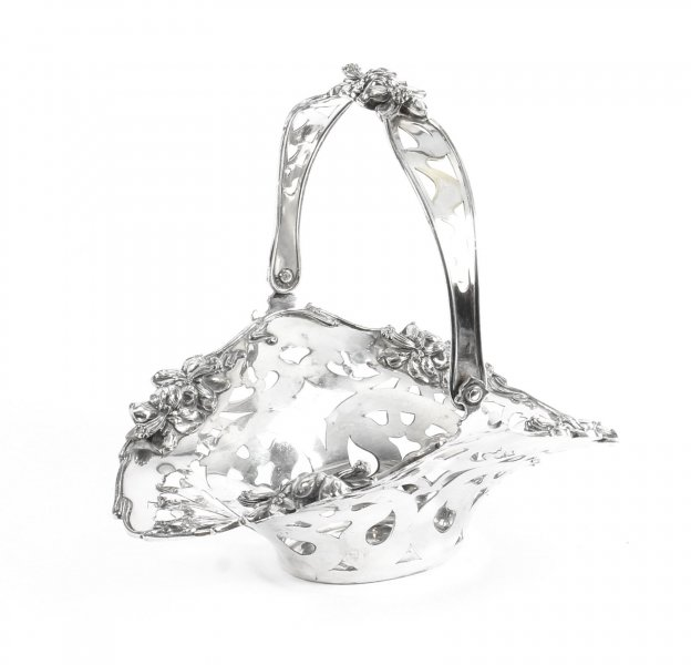 Antique American Silver Plated Fruit Basket The Meriden Silver Plate Co. 1904 | Ref. no. 09502 | Regent Antiques