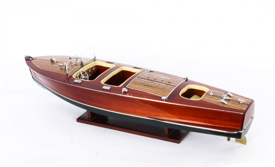 Vintage model of a Riva Rivarama Speedboat with Cream  Interior 20th Century | Ref. no. 09811k | Regent Antiques