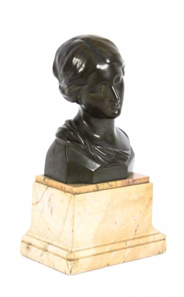 Antique Bronze Head Bust of a Lady After Raphael Signed H. Luppens & Cie Ca 1900 | Ref. no. A1104 | Regent Antiques