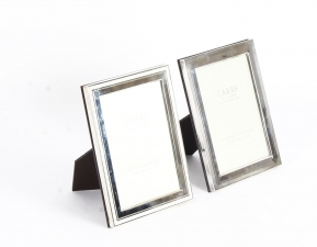TWO SILVER MOUNTED RECTANGULAR PHOTO FRAMES BY CARR& 39 S OF SHEFFIELD LTD.